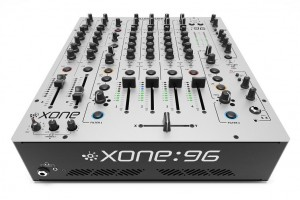 Allen & Heath stellt Xone:96-Club-Mixer vor