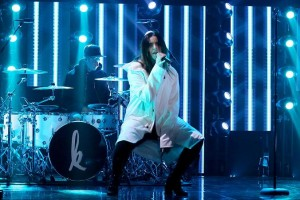 Elation fixtures used for Kiiara's performance on The Tonight Show Starring Jimmy Fallon