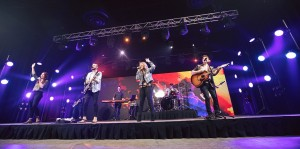 Corona: Events United and Chauvet enhance Central Church Easter services for streaming